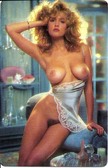 Сегодня встречаем сексуальных соседок Playboy из 80х годов